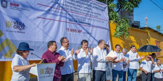 -Gobernador Cuitláhuac García da banderazo de inicio a obras viales en Veracruz.